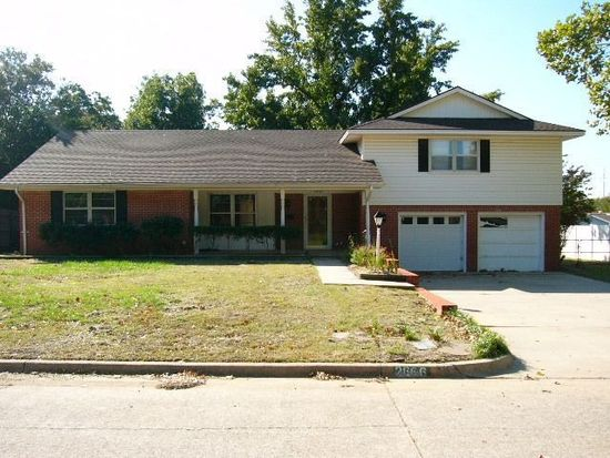 2666 Chateau Dr, Norman, OK 73069
