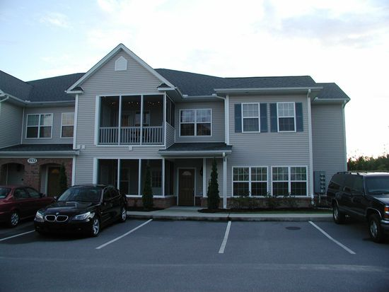 1932 Tara Ct APT 204, Greenville, NC 27858