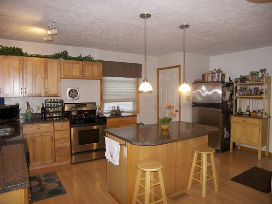 13509 Maple Leaf Dr, Garfield Heights, OH 44125