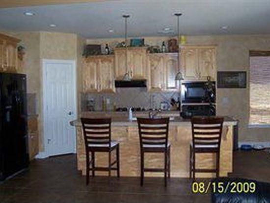 682 Casa Buena St, Redding, CA 96003