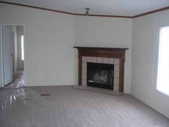 970 Old Church Rd, Waxahachie, TX 75165