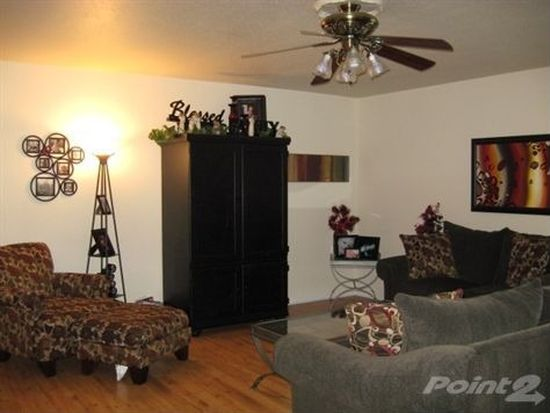 139 Forest Oaks Ln, Lake Jackson, TX 77566
