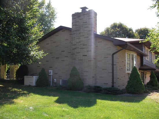5485 Apple Ridge Cir, Clinton, OH 44216