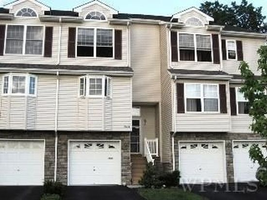 2107 Rockledge Ct, Wappingers Falls, NY 12590