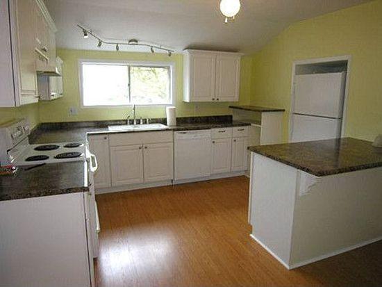 211 Linn Ave, Oregon City, OR 97045