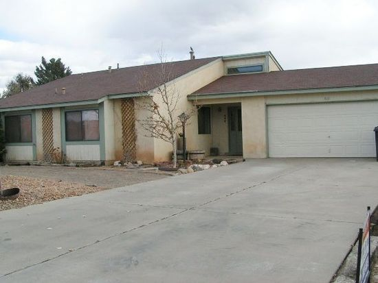 466 Feldspar Dr NE, Rio Rancho, NM 87124