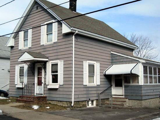 15 Wheatland St, Salem, MA 01970