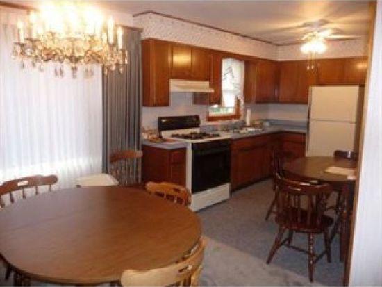 104 Shenango Blvd, Farrell, PA 16121