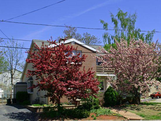 7 Princess Ave, Cranston, RI 02920