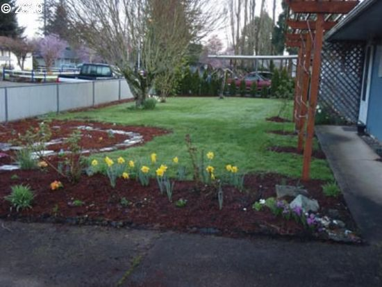 3358 West Pl, Hubbard, OR 97032