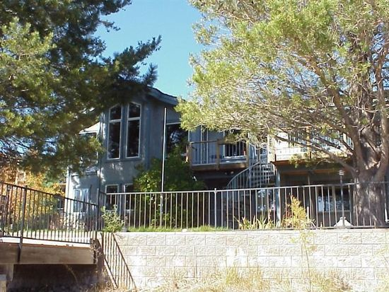 2196 Catalina Dr, South Lake Tahoe, CA 96150