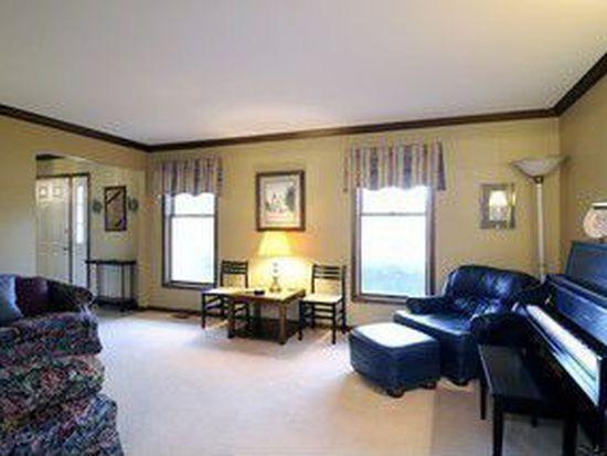 2020 Fairfax Rd, Saint Charles, IL 60174
