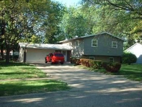 767 Dover Ct, Crystal Lake, IL 60014