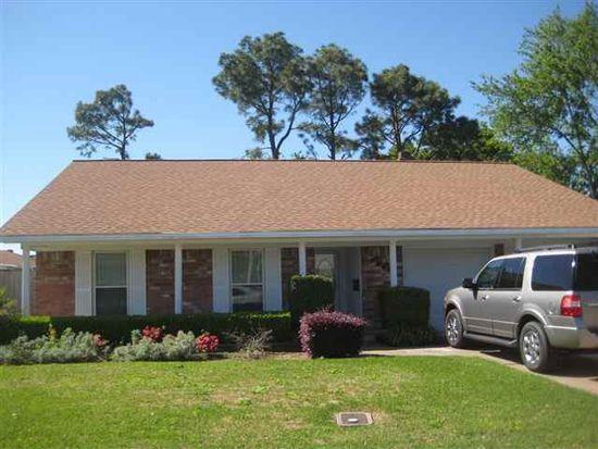 3148 Dogwood Ln, Port Neches, TX 77651