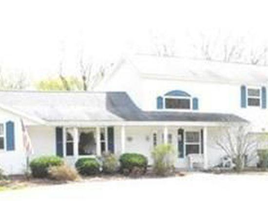 8318 Edgewood Rd, Mentor, OH 44060
