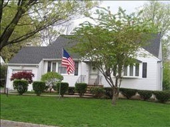 40 Evelyn Rd, Roseland, NJ 07068