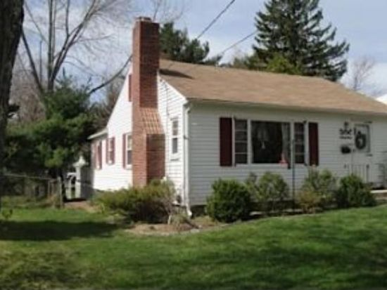 152 Essex Ave, Portsmouth, NH 03801