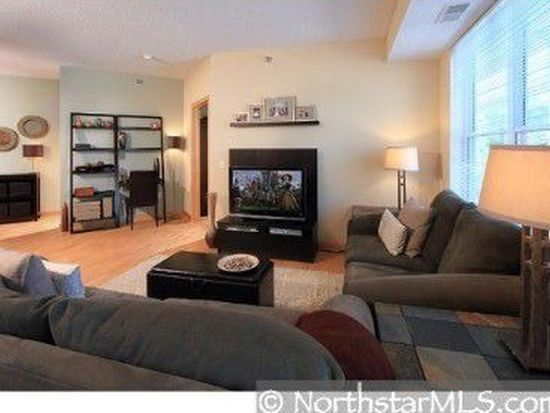 1800 Clinton Ave APT 205, Minneapolis, MN 55404