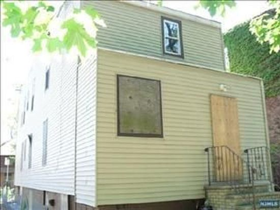 21 Earl St, Newark, NJ 07114