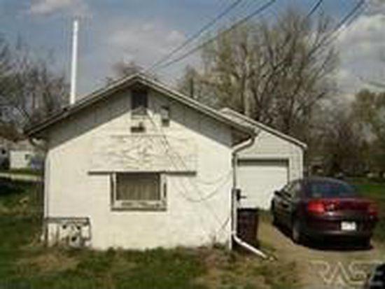 1908 E 31st St N, Sioux Falls, SD 57104