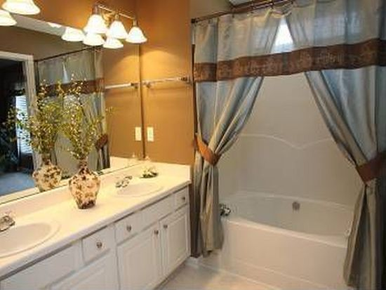 2002 Groundwater Pl, Raleigh, NC 27610