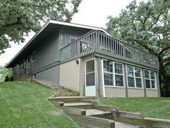 104 Lake Shore Dr, Oakwood Hills, IL 60013