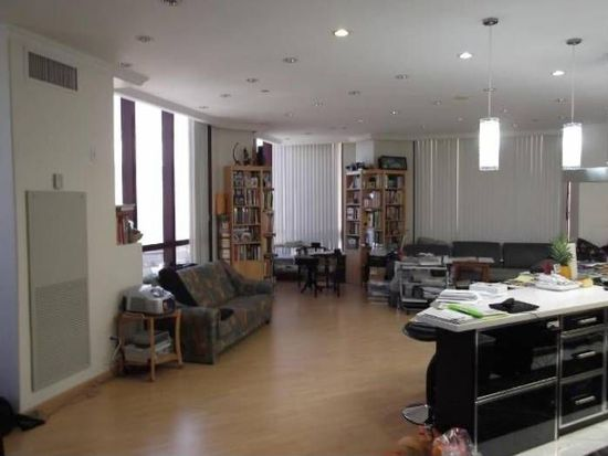 725 Kapiolani Blvd APT 3702, Honolulu, HI 96813