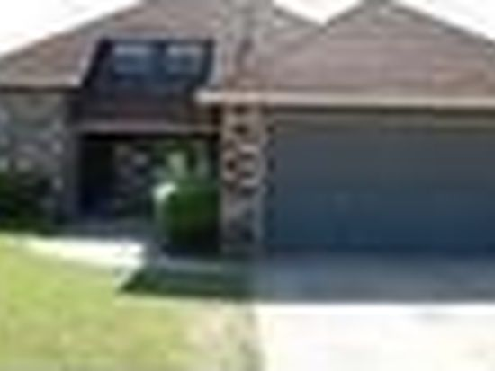 1504 Knollwood Ter, Moore, OK 73160