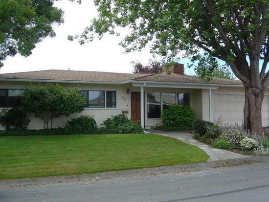 1743 Stromberg Ave, Arcata, CA 95521