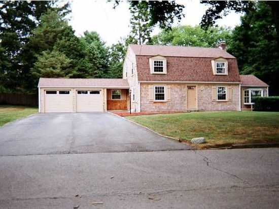 18 Opechee Dr, Barrington, RI 02806