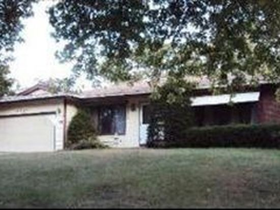 4617 Front Royal Dr, Mchenry, IL 60050