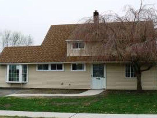 57 Great Oak Rd, Levittown, PA 19057