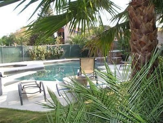 2001 Haggin Oaks Blvd, Bakersfield, CA 93311