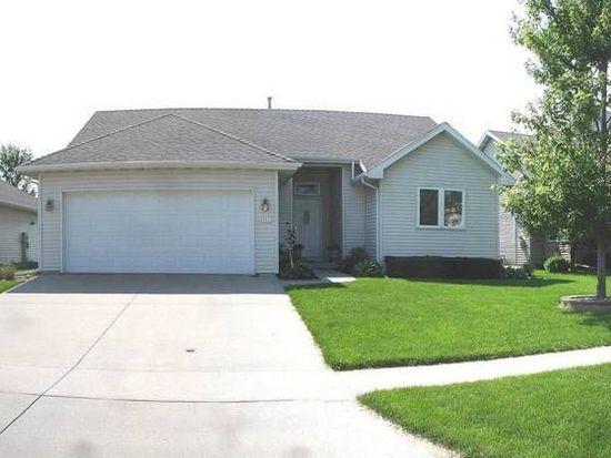 2817 White Oak Dr, Ames, IA 50014