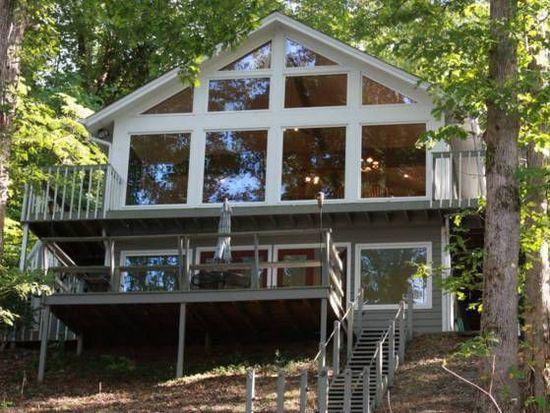 3164 Lake Ranch Cir, Gainesville, GA 30506