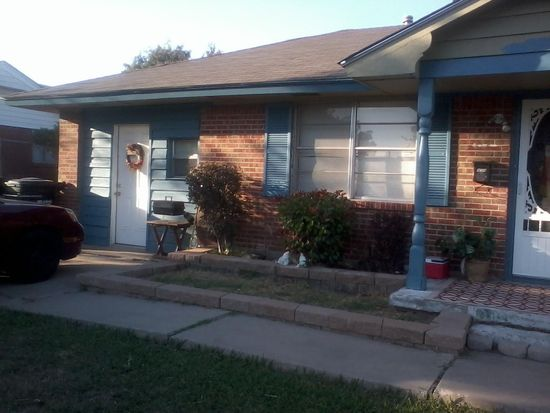 959 SW 2nd St, Moore, OK 73160