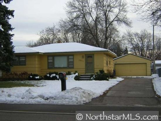 2304 17th Ave E, Maplewood, MN 55109