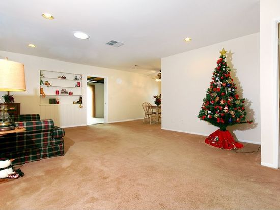 23400 Gilmore St, West Hills, CA 91307