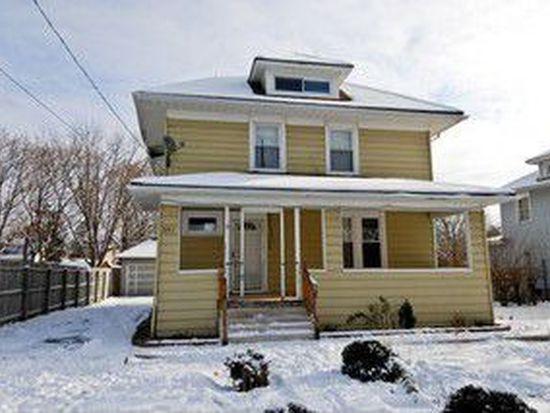 351 Saint Charles St, Elgin, IL 60120