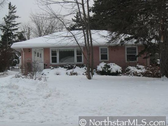 2350 Cowern Pl E, Maplewood, MN 55109