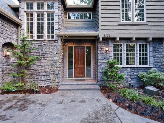 3136 Douglas Cir, Lake Oswego, OR 97035