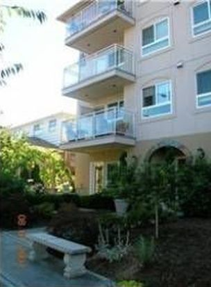 1527 California Ave SW APT 402, Seattle, WA 98116