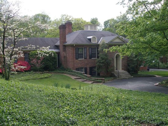 13 River Hill Rd, Indian Hills, KY 40207