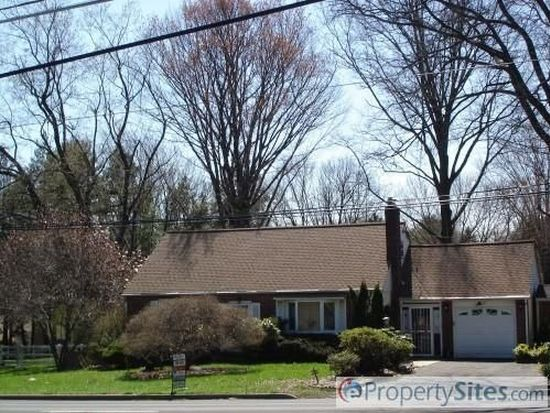 74 County Line Rd, Huntingdon Valley, PA 19006
