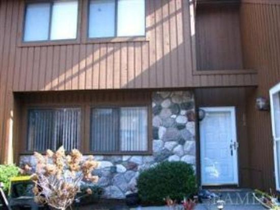 182 Red Cardinal Ct, Poughkeepsie, NY 12603
