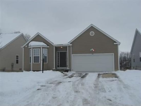 910 Queens Gate Way, Wadsworth, OH 44281