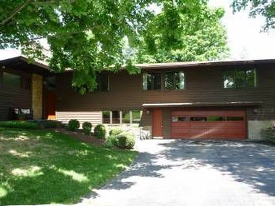 953 Sharon View Dr, Newark, OH 43055