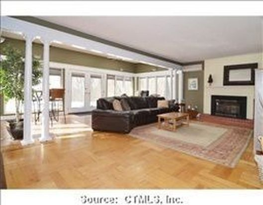 4 Hillcrest Ct, Old Saybrook, CT 06475