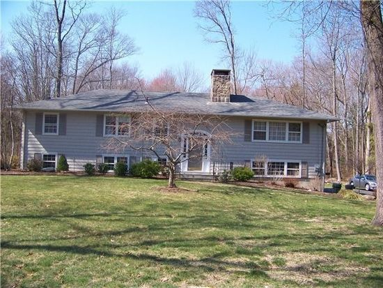 10 Canterbury Ln, Wilton, CT 06897