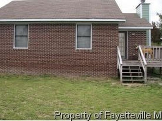 2205 Mossy Cup Ln, Fayetteville, NC 28304